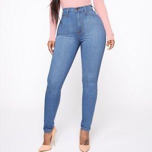 Fashionnova classic highwaist jeans